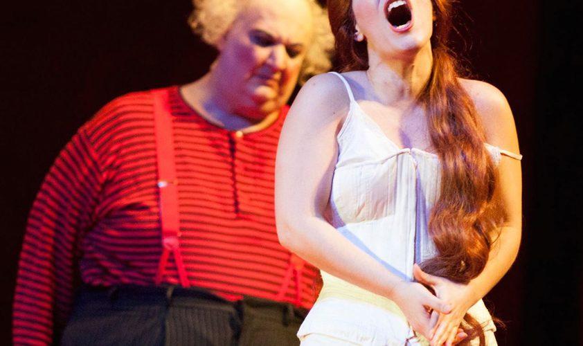 """Gilda in Mo Zubin Mehta's """"hands""""!"""